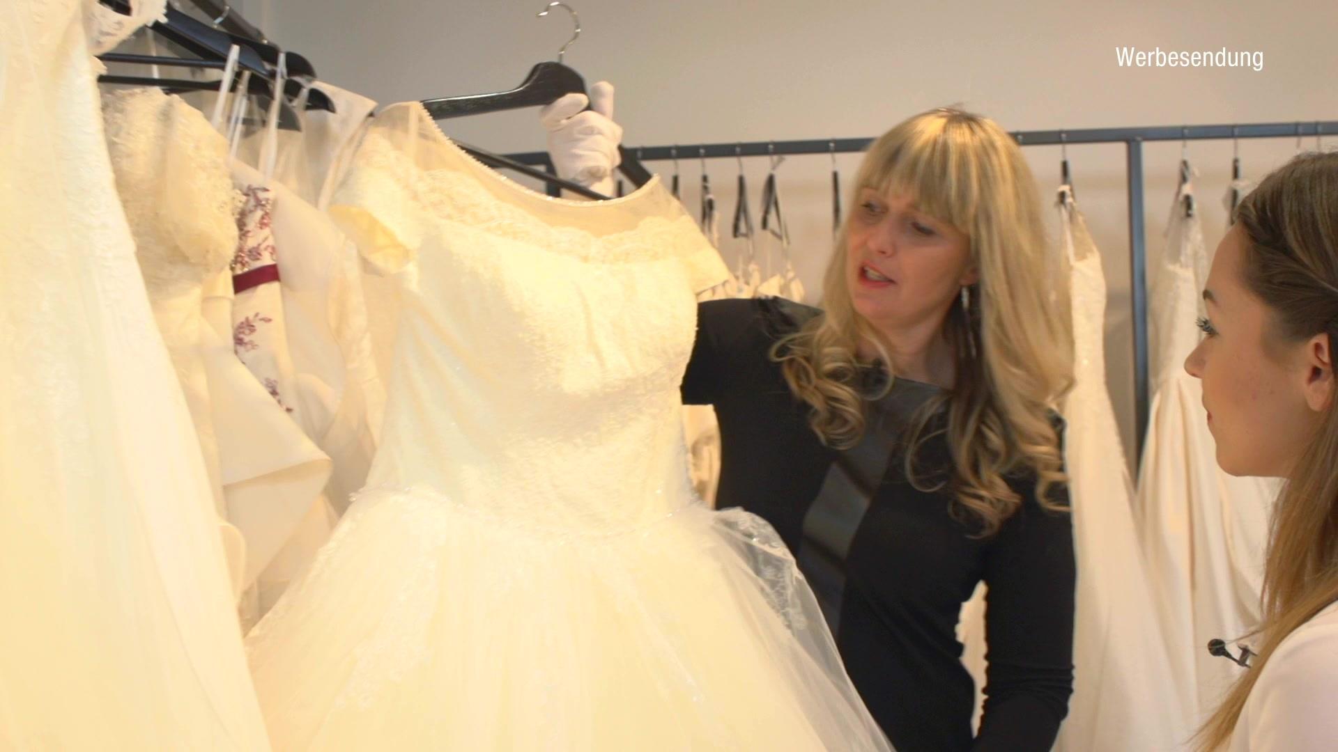 Gemütlich Empfang Brautkleid Bilder - Hochzeit Kleid Stile Ideen ...